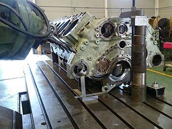 Reparación de bloque de cilindros motor MTU (1)