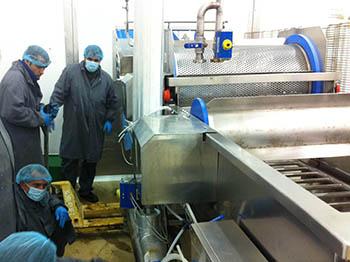 Mantenimiento de línea de producción en industria agroalimentaria.