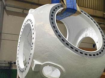 Buje aspas de torre eólica con tratamiento superficial, según especificaciones del cliente.