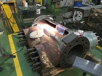 Fase de procedimiento METALOCK en bloque de compresor (1).